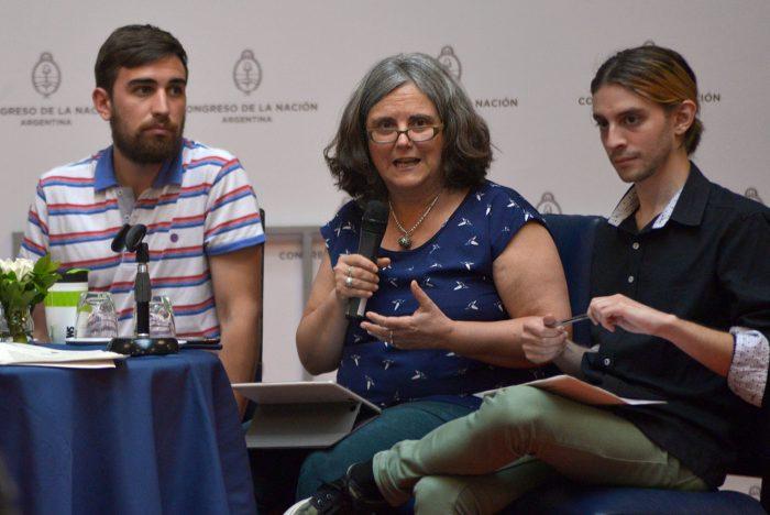 Carolina Vera fue una de las expositoras del segundo conversatorio.